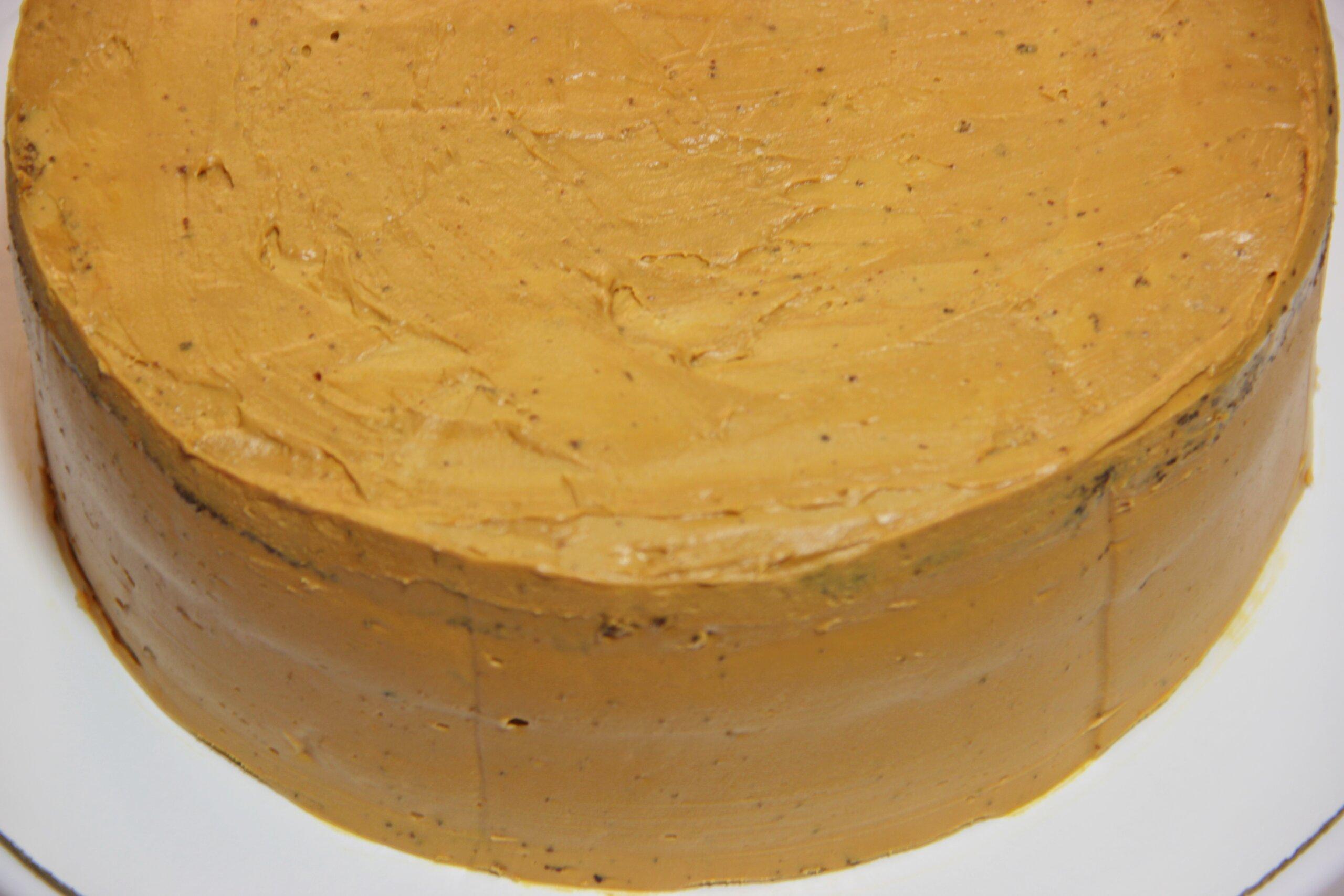 выравнивание торта кремом